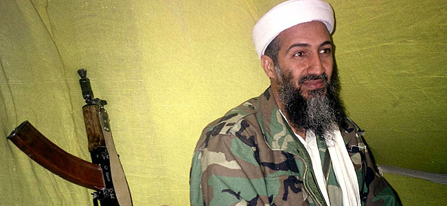 Officials: SEALs thought bin Laden went for weapon