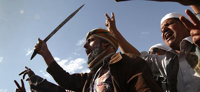 Rebels reinforce key Libyan oil port in east
