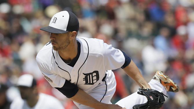Detroit Tigers starting pitcher Shane Greene throws during the first inning of a spring training exhibition baseball game against the St. Louis Cardinals in Lakeland, Fla., Saturday, March 28, 2015. (AP Photo/Carlos Osorio)