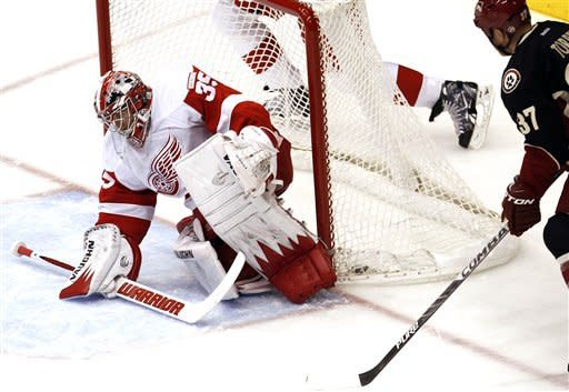 Bertuzzi's spin in shootout gives Detroit 3-2 win