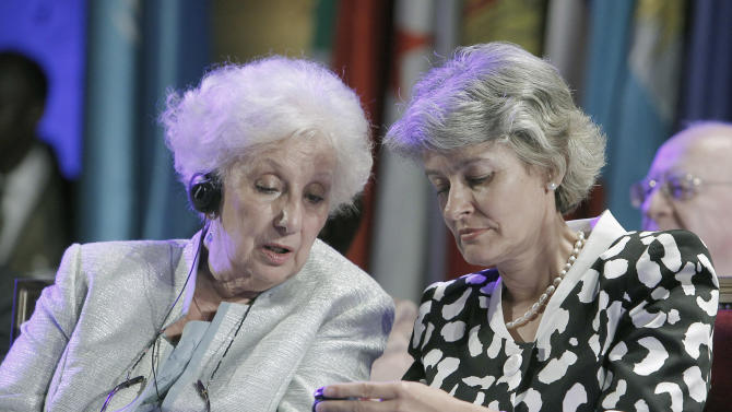 Argentina's Estela de Carlotto, left, president of Grandmothers of Plaza de Mayo, and UNESCO director general Irina Bokova attend a meeting at the UNESCO Headquarters Wednesday, Sept. 14, 2011 in Paris. The Grandmothers of Plaza de Mayo will later receive the Felix Houphouet-Boigny Peace Prize later at the UNESCO. The prize is intended to honour living individuals and active public or private bodies or institutions that have made a significant contribution to promoting, seeking, safeguarding or maintaining peace. The Grandmothers of the Plaza de Mayo is a human rights organisation with the aim of finding the babies stolen during the era of the Argentine dictatorship (AP Photo/Jacques Brinon)