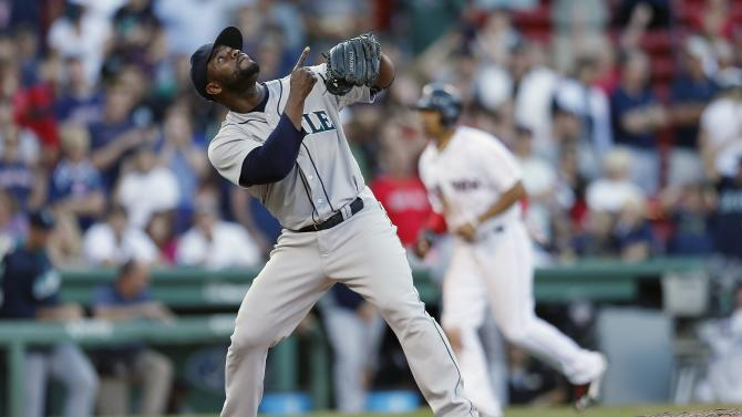 Mariners complete sweep of Red Sox