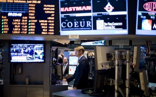 &lt;p&gt;Traders work on the floor of the New York Stock Exchange (NYSE) in New York, January 2, 2013. US stocks closed lower Thursday amid profit taking after shares rose strongly for two straight sessions driven by Congress&#39;s long-awaited deal to avert the economy-crunching fiscal cliff.&lt;/p&gt;