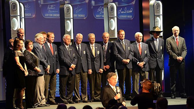 NASCAR Hall of Fame welcomes five racing titans