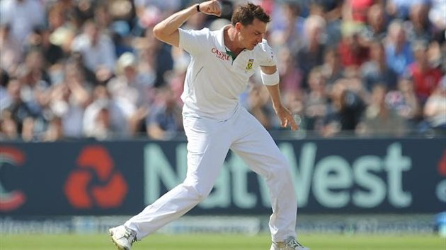 Dale Steyn claimed two early wickets as New Zealand slumped to 47 for six