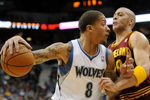 Jamison, Irving lead Cavs over Timberwolves 98-87
