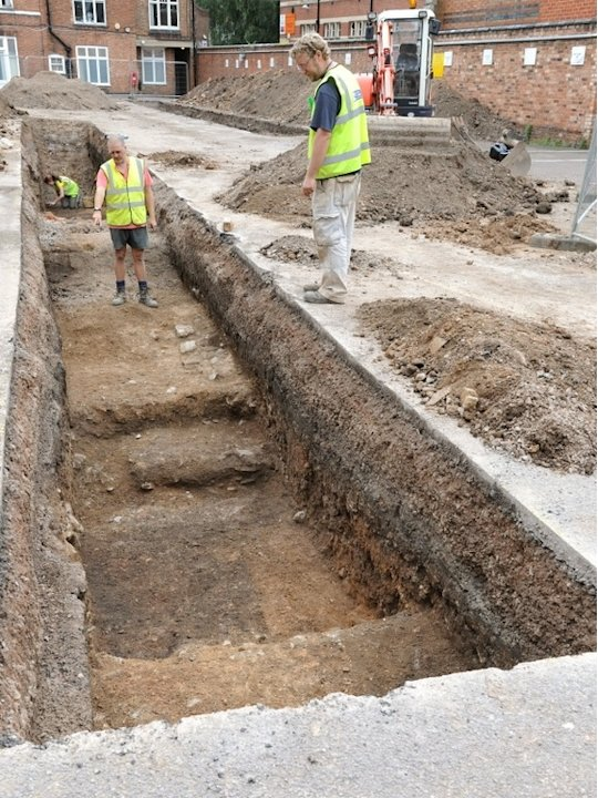 Hints of King Richard III&amp;#39;s Grave Found Under Parking Lot