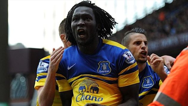 Romelu Lukaku celebrates scoring Everton's first goal