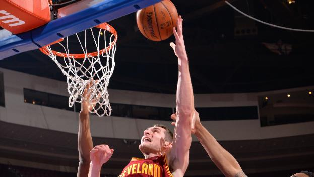 Irving has easy night as Cavs rout 76ers 114-85