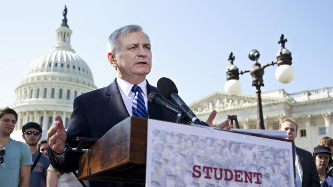 White House pressures GOP on student loan bill