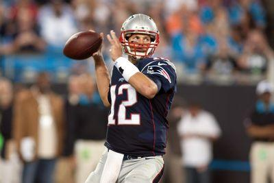 NFL scores and results 2015: Tom Brady throws 2 picks but recovers, Jimmy Garoppolo solid