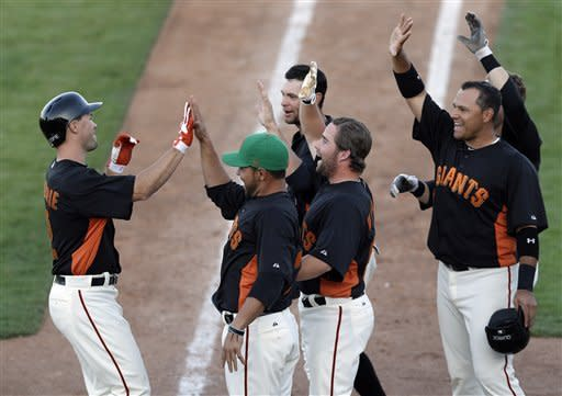 Pence, Gillespie rally Giants past Rockies 9-7