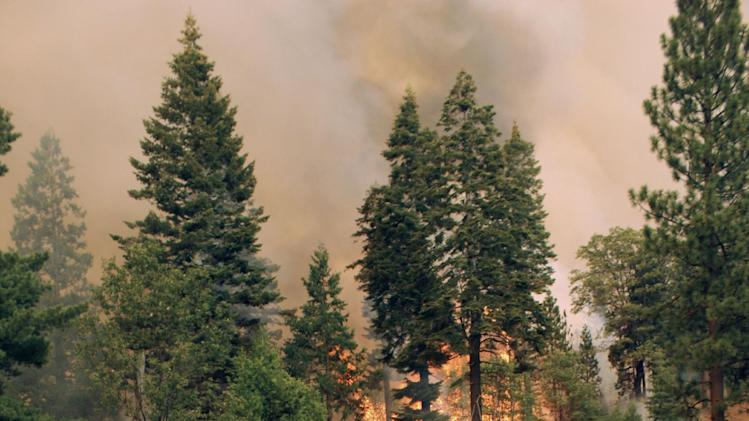 Wildfires threaten Yosemite