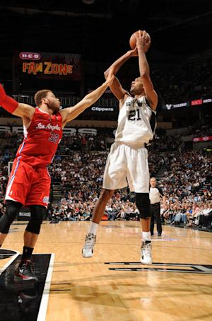 Rested Spurs win Game 1 over weary Clippers 108-92