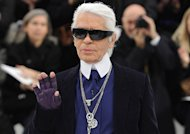 Karl Lagerfeld : jamais sans son Pepsi-esclave !