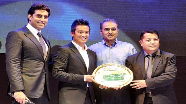 Abhishek, Dino & Baichung grace Indian Football Awards