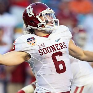 Bob Stoops: Baker Mayfield is taking QB recruit Austin Kendall 'under his wing'