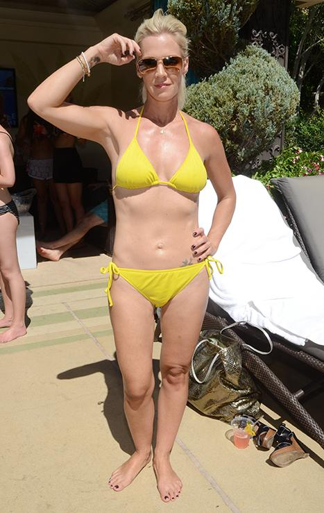 Jennie Garth Unveils Thin, Toned Bikini Body in Las Vegas!