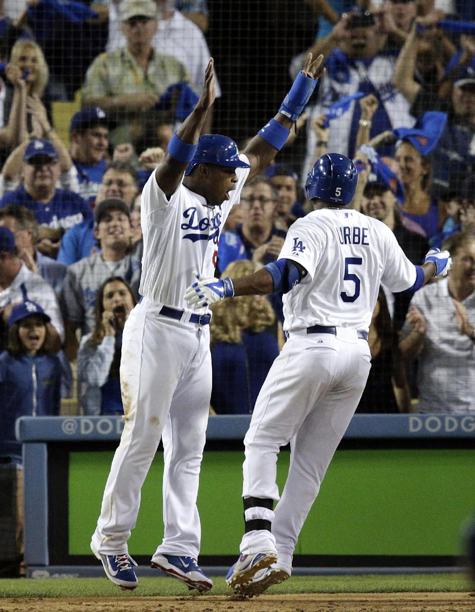 Dodgers rout Braves 13-6 to take 2-1 lead in NLDS
