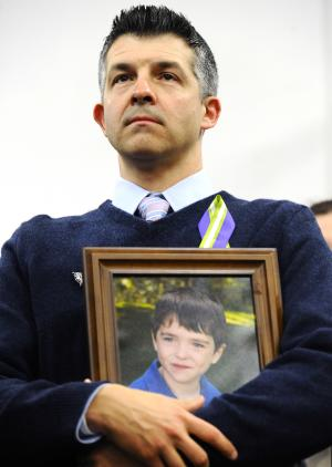 Another ordeal for Newtown: Divvying up donations