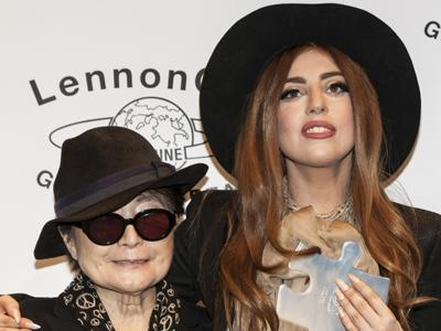 Lady Gaga given peace prize by Yoko Ono
