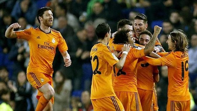 Real Madrid celebrate a goal against Espanyol