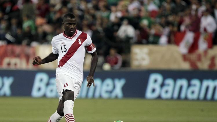 Soccer: Friendly-Mexico vs Peru