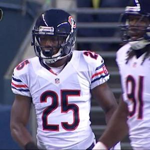 Chicago Bears cornerback C.J. Wilson intercepts Pryor's pass for 17 yards