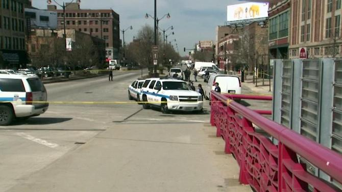 Pedestrian hit, killed by truck in West Loop
