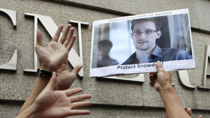 Leaker Snowden alleges NSA hacking on China, world