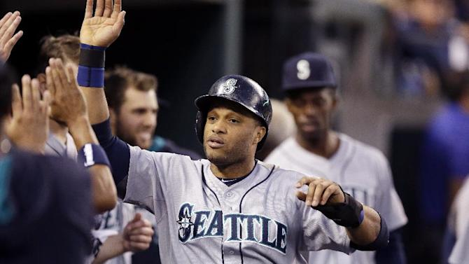 Cano, Paxton lead Mariners to 7-2 win over Tigers