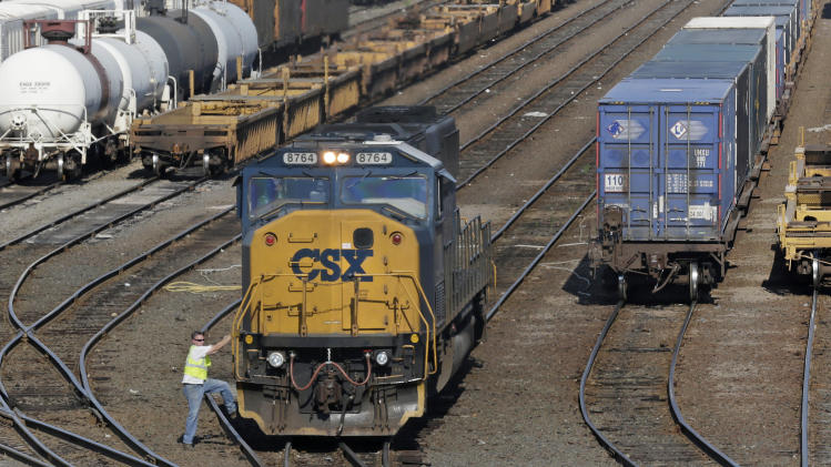 CSX 3Q rail profit dips 2 pct. on volume shift