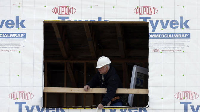 US homebuilder confidence edges up in April