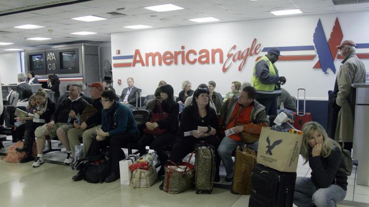 Hurricane Sandy grounds thousands of flights