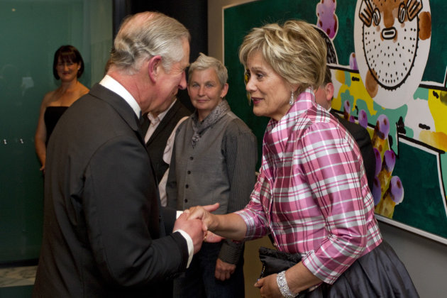 Britain&#39;s Prince Charles, left, meets New Zealand&#39;s Maori soprano, Kiri Te Kanawa at a Diamond Jubilee Trust Reception and Dinner in Auckland, New Zealand, Monday, Nov. 12, 2012. (AP Photo/SNPA, David Rowland) NEW ZEALAND OUT