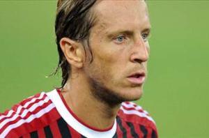 Official: Ambrosini joins Fiorentina