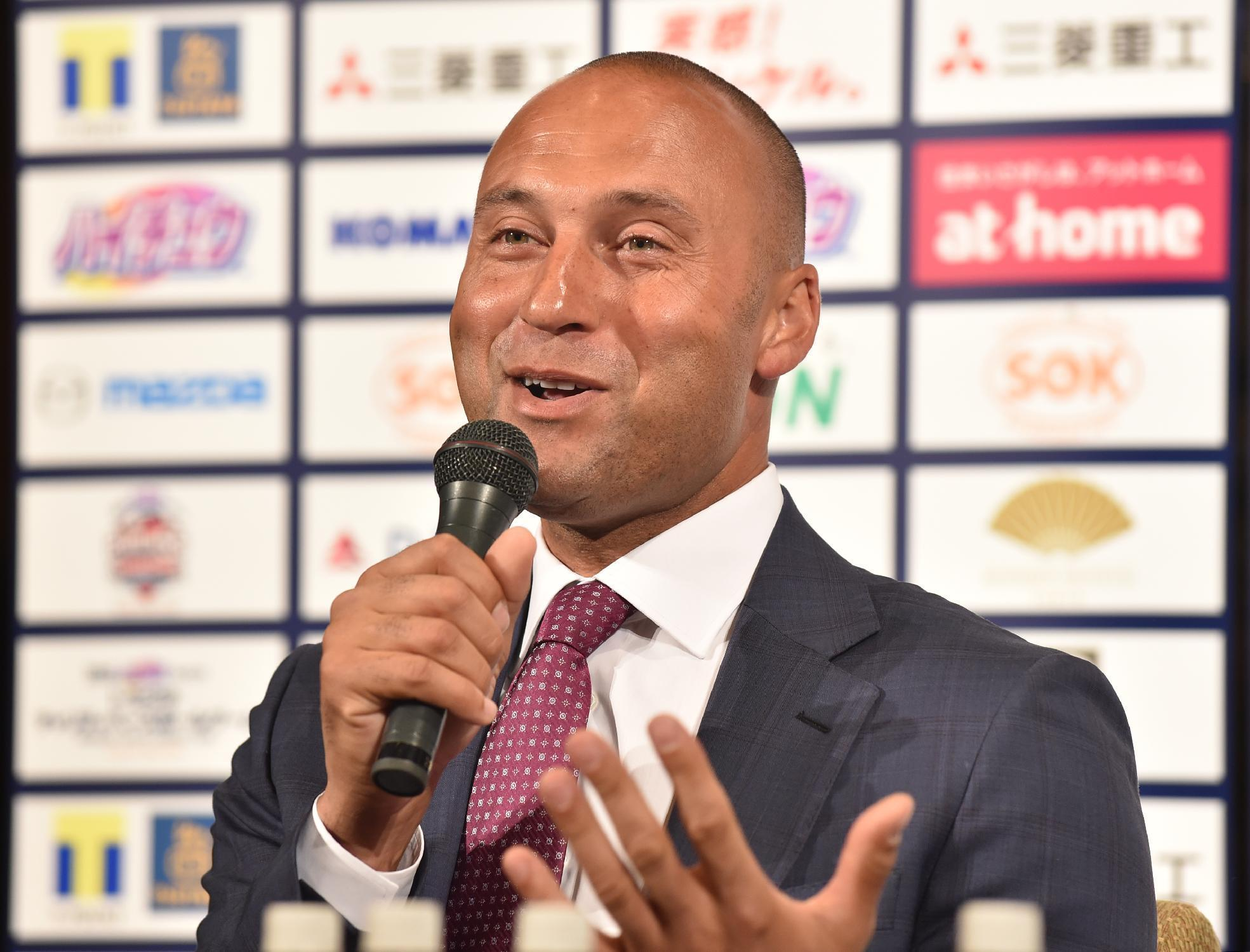 Baseball star Derek Jeter looking to add restaurateur to resume