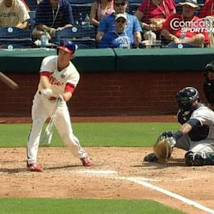 Utley's bat-throwing RBI single