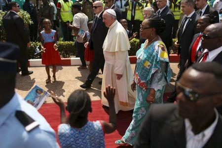 Pope arrives in Central African Republic under tight security