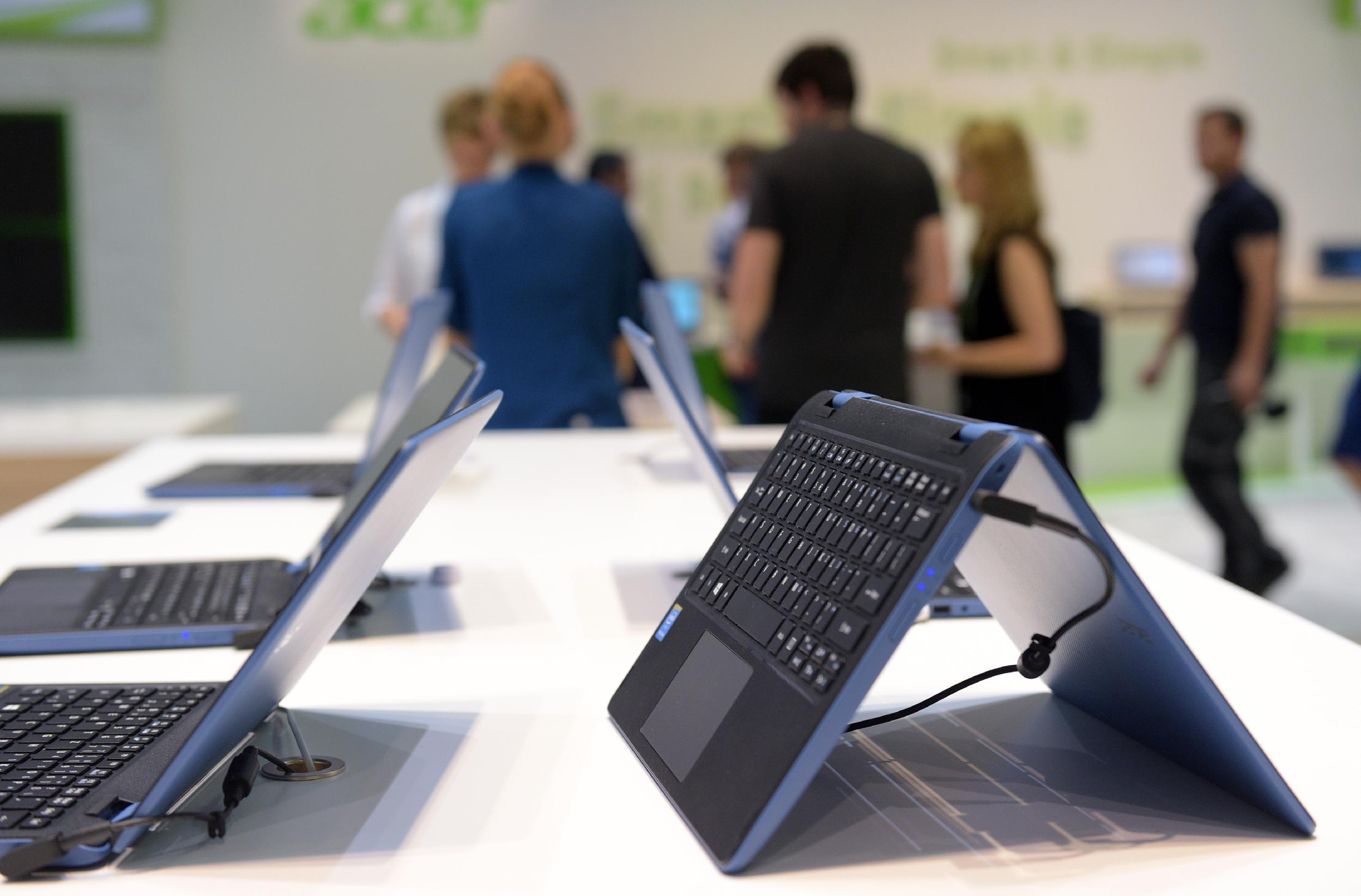 Wave of new Windows 10 devices on show at Berlin tech fair