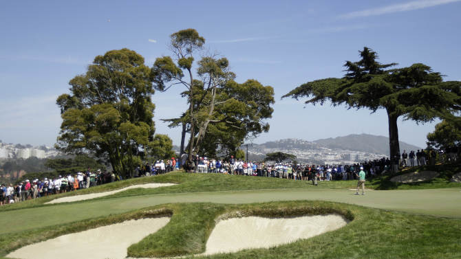 David Toms putts on the second hole during the third round of the U.S. Open Championship golf tournament Saturday, June 16, 2012, at The Olympic Club in San Francisco. (AP Photo/Ben Margot)
