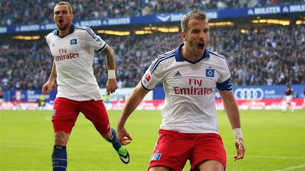 Rafael van der Vaart (R) of Hamburg celebrates his teams third goal with Pierre-Michel Lasogga of Hamburg (Getty Images)