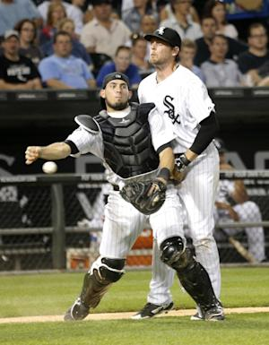 Royals break out for 7-1 win over White Sox