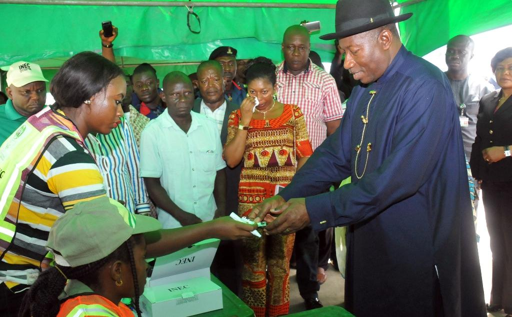 Nigerian president quits voting station after tech glitch