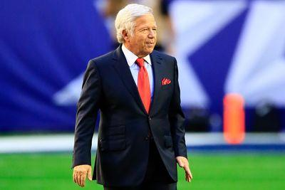 Robert Kraft questioned about his relationship with Aaron Hernandez