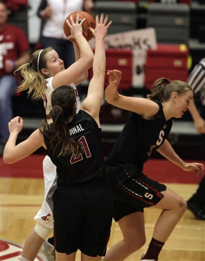 Ogwumike helps Stanford women cruise past Wash St
