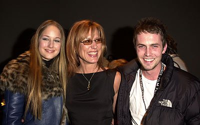 Leelee Sobieski, Christine Lahti and Desmond Harrington
