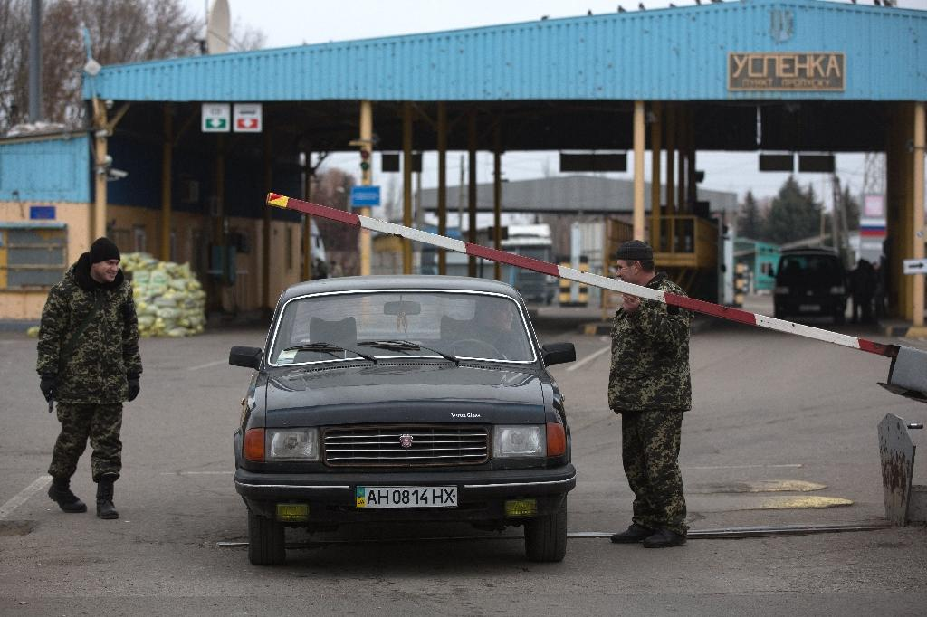 Ukraine insists Russia must cede border by end of year
