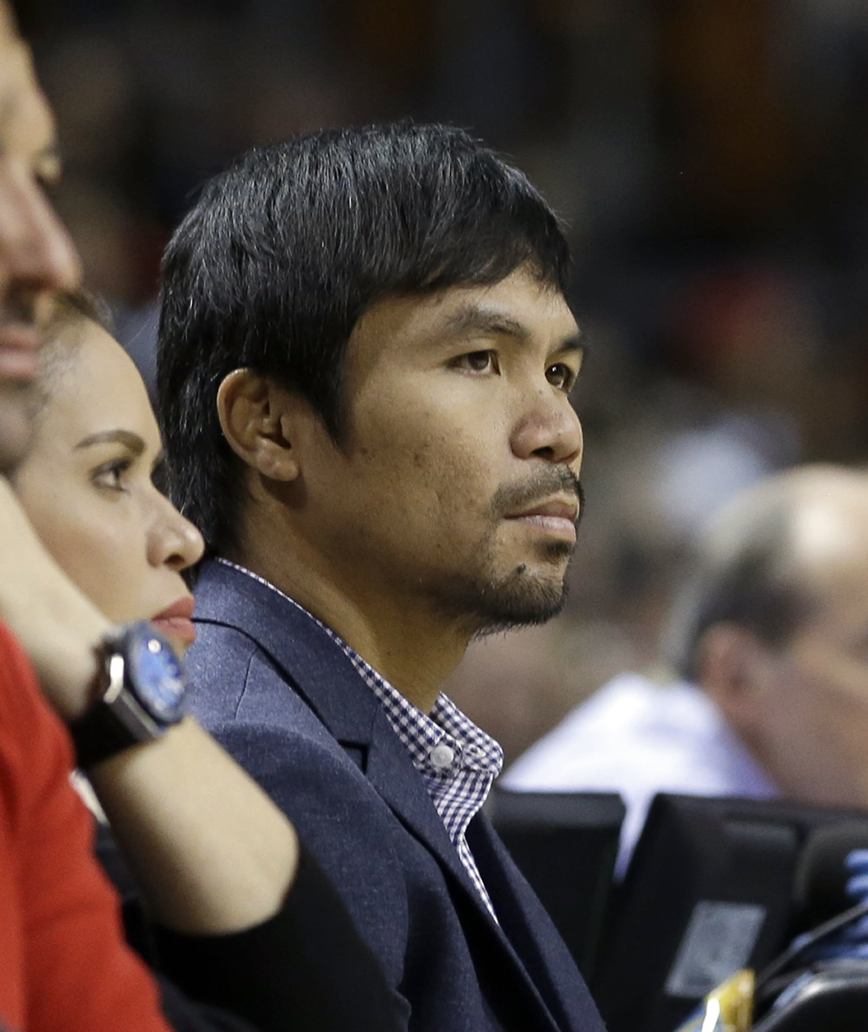 Mayweather and Pacquiao exchange phone numbers at Heat game