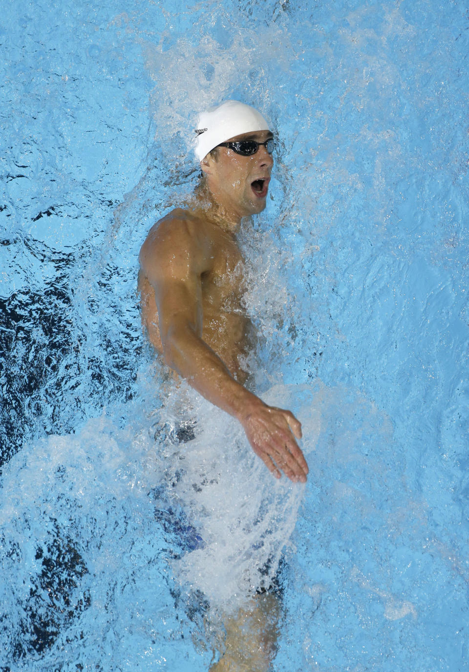 Michael Phelps swims in the men's 400-meter individual medley final at the U.S. Olympic swimming trials, Monday, June 25, 2012, in Omaha, Neb. (AP Photo/Mark Humphrey)